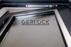 Security-door-with-integrated-door-closer